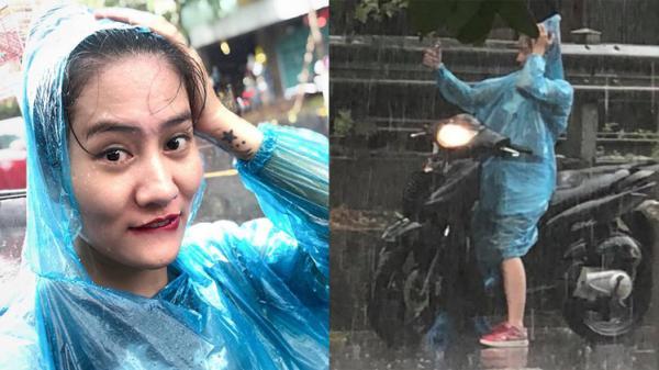 Hà Nội: Hé lộ danh tính cô gái với 3 giây selfie trong cơn mưa nổi nhất m.ạ.ng xã hội