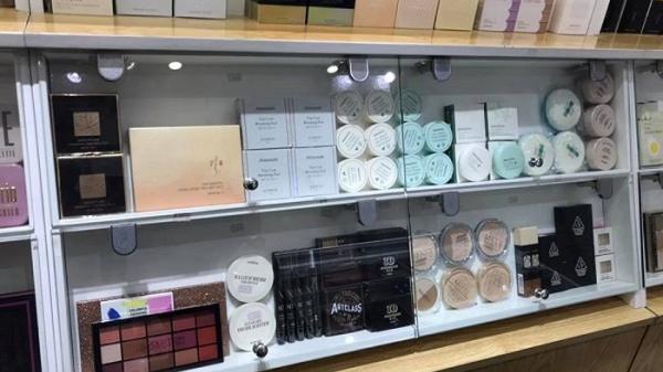 Hà Nội: Kiểm tra hơn 10 cơ sở kinh doanh mỹ phẩm thu hơn 2.000 sản phẩm không rõ nguồn gốc