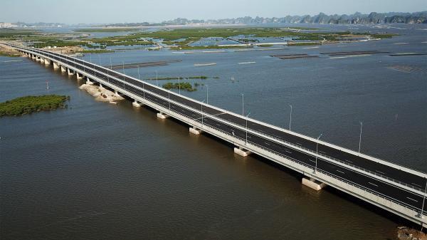 Ngắm cao tốc Hạ Long - Hải Phòng đầu tiên của Quảng Ninh