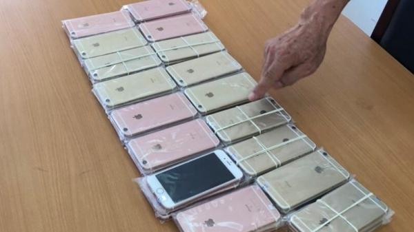 Quảng Ninh: Phát hiện lô 600 điện thoại và 26 iPad không nguồn gốc xuất xứ