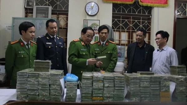 Cao Bằng: Bắt 'nữ quái' trong đường dây buôn hàng trăm bánh heroin xuyên quốc gia