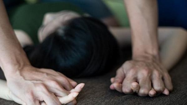 CHẤN ĐỘNG: Cô bé 15 tuổi bị 3 giáo viên và 19 nam sinh cưỡng hiếp tập thể suốt 6 tháng liền