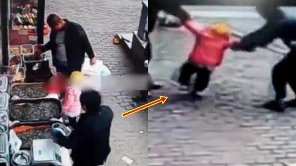 Rợn người cảnh bắt cóc trẻ em trắng trợn: Ngồi ngay cạnh mẹ, đang bế trên tay cũng cướp được con