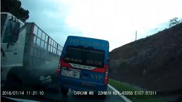 """Quảng Ninh: """"Quan tài bay"""" vượt ẩu gây tai nạn trên QL18"""
