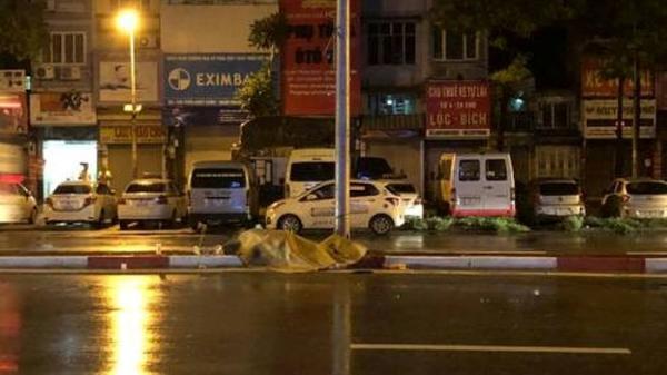 Hà Nội: Nam thanh niên tự gây tai nạn, tử vong tại chỗ trên đường Trần Khát Chân