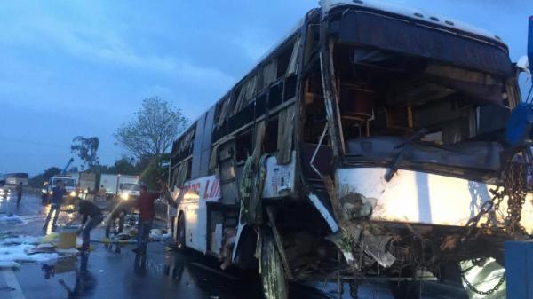 NÓNG: Danh tính 9 nạn nhân thương vong trong vụ lật xe khách Hải Phòng trên QL1