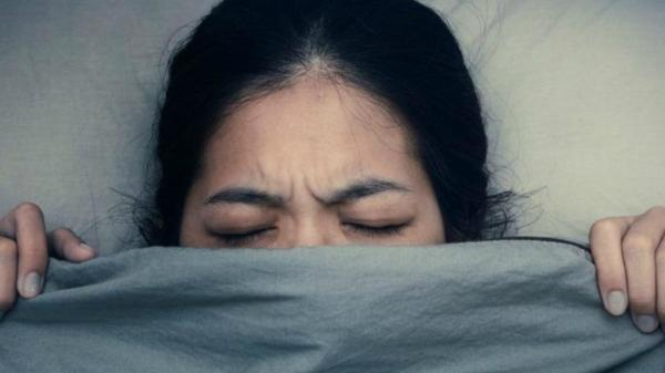 Trùm chăn kín đi ngủ: Thói quen gây hậu quả nghiêm trọng và có thể gây tai biến