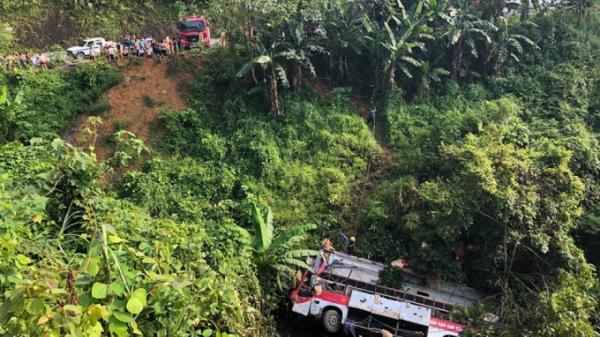 Vụ xe khách lao xuống vực ở Cao Bằng: Bất ngờ với lời khai của tài xế lái xe