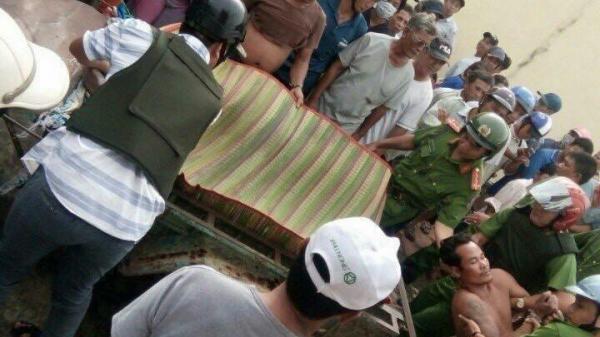 KINH HOÀNG: Nam thanh niên lao vào nhiều nhà dân chém cả người già và trẻ em, 12 người thương vong