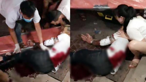 Biến căng: Kinh hoàng nam thanh niên bị nhóm côn đồ chém tới tấp, cắt gân tay, gân chân