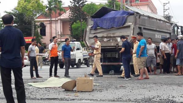 Người phụ nữ 49 tuổi chết thương tâm dưới bánh xe tải