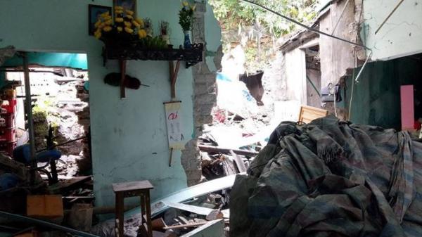 Quảng Ninh: Bàng hoàng lời kể nhân chứng thoát chết trong đêm đá khổng lồ rơi trúng nhà