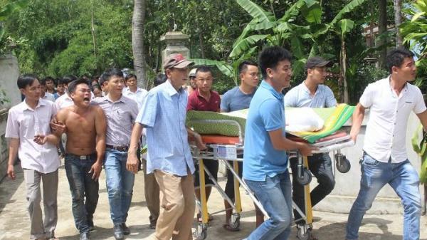 Tai nạn thảm khốc khiến 13 người chết: Phút xé lòng nhận thi thể người thân