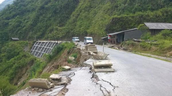 Cao Bằng: Khắc phục hậu quả mưa, lũ trên QL.4A, QL.34