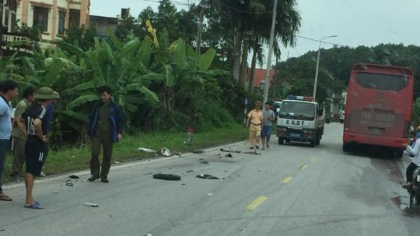 Quảng Ninh: Danh tính 2 bố con t.ử v.o.n.g thương tâm trong vụ va chạm ô tô khách nghiêm trọng