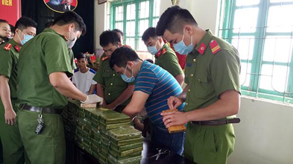 Công an Cao Bằng bắt vụ mua bán số lượng lớn heroin