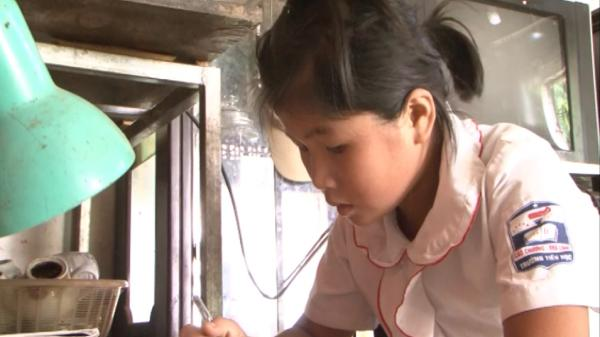 Cảm phục ý chí vươn lên của cô bé người Cao Bằng có hoàn cảnh đặc biệt khó khăn