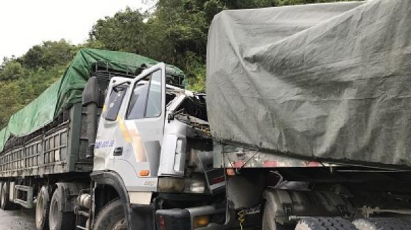 Cao Bằng: Kinh hoàng hai xe ô tô đấu đầu trên Quốc lộ 3