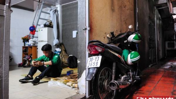 Từ chuyện bị đánh 1 sao vì mũ bảo hiểm ướt, thử nhìn vào những áp lực của Grabbike