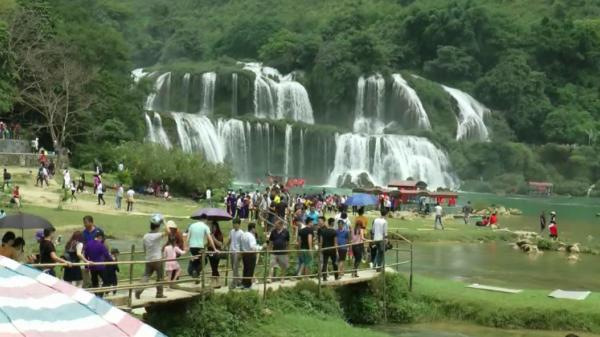 Thông tin mới nhất về lễ hội Du lịch thác Bản Giốc, Trùng Khánh, Cao Bằng năm 2017