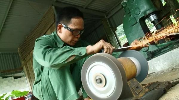 Khám phá làng nghề rèn dao của người Nùng nơi rừng núi Cao Bằng