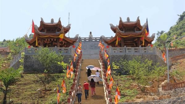 Chiêm ngưỡng ngôi chùa nổi tiếng nhất Cao Bằng – Phật Tích Trúc Lâm Bản Giốc