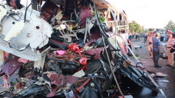 Danh tính các hành khách tử nạn và bị thương trong vụ ô tô tải lao vào xe khách