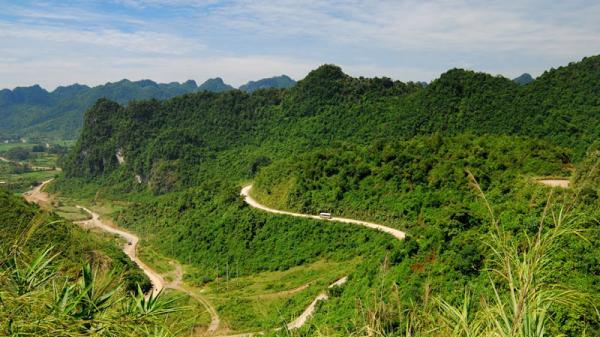 """Đèo Khau Liêu (Cao Bằng) - cung đường thách thức những """"tay lái lụa"""""""