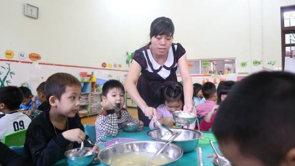 Những câu chuyện ít biết về nghề giáo viên mầm non