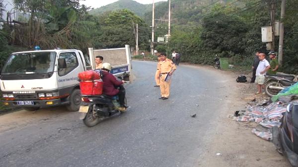 Cao Bằng: Xe máy va chạm mạnh với ô tô đi ngược chiều