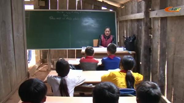 Rơi nước mắt với cảnh tạm bợ, còn nhiều khó khăn của thầy trò Trường Tiểu học Yên Lạc (Cao Bằng)