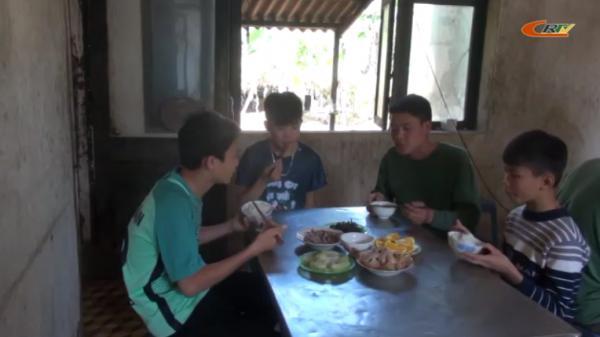 Bộ đội Biên phòng Cao Bằng nuôi ước mơ cho học sinh nghèo biên giới