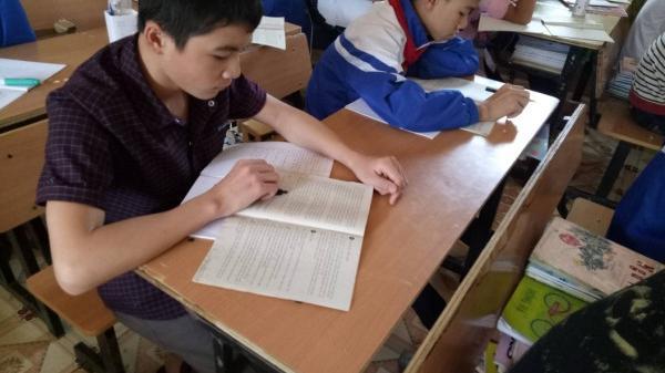 Xúc động trước nghị lực và ước mơ của cậu học trò nghèo ở Cao Bằng