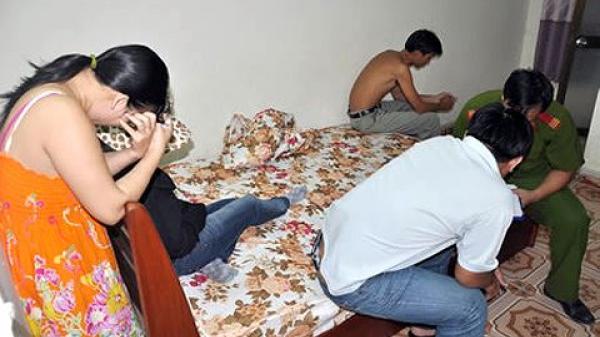 Thanh niên 27 tuổi bị bắt quả tang khi mua dâm U50