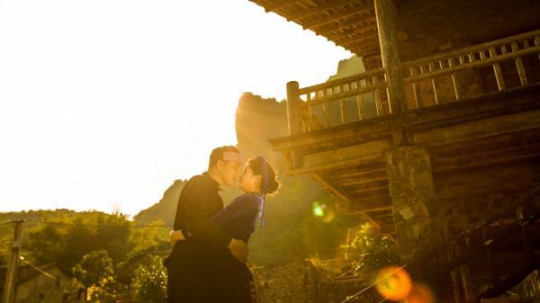 Phát sốt với bộ ảnh cưới của cặp uyên ương người Tày tại Thác Bản Giốc (Cao Bằng) hùng vĩ
