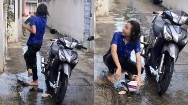 Đi tình nguyện mùa dịch về, cô gái gặp phụ huynh siêu cẩn thận