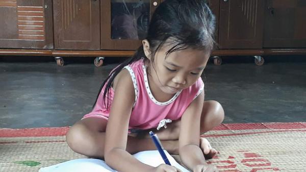 Đắk Lắk: Nghị lực vượt khó của hai cô học trò mắc bệnh hiểm nghèo