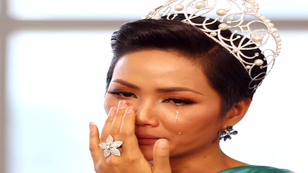 Bạn thân tiết lộ nếu không đoạt Hoa hậu, H'Hen Niê sẽ lỗi hẹn với các em nhỏ quê hương