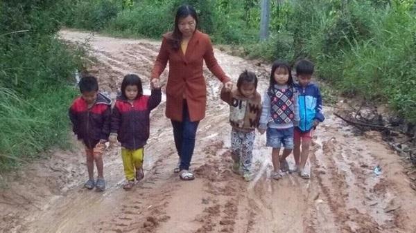 Ea Đah (Krông Năng): Trường tốc mái sau bão, 37 học sinh phải đi học tạm