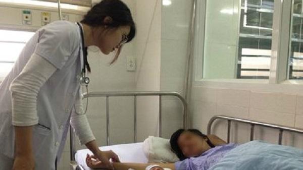 TP Buôn Ma Thuột: Bác sĩ vừa cấp cứu vừa hiến máu cứu sản phụ trong gang tấc