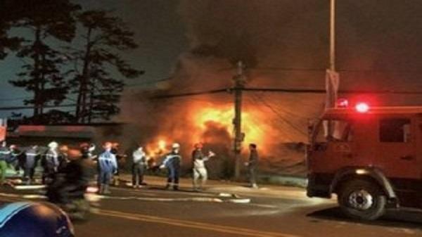 Vụ cháy 5 người chết ở biệt thự cổ: Do hàng xóm phóng hỏa