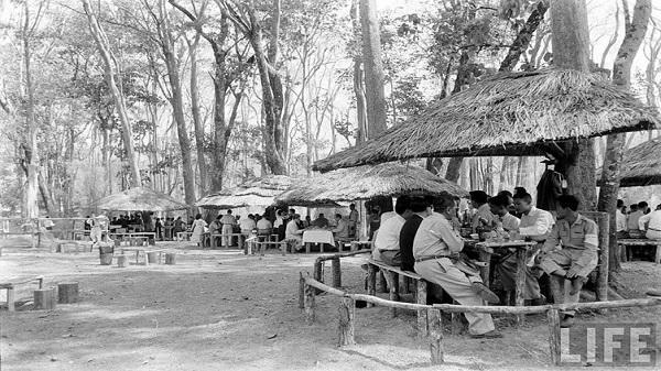 Ảnh độc về Hội chợ kinh Tế Buôn Ma Thuột năm 1957