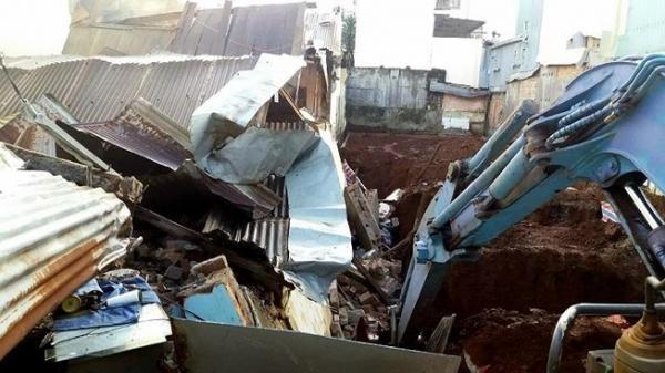 Gia Lai: Nhà bất ngờ đổ sập trong mưa to, 7 người thoát c.h.ế.t