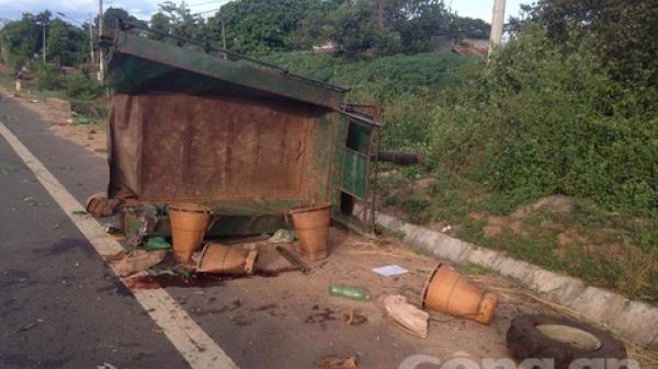 Gia Lai: 22 người thương vong sau cú tông giữa xe tải và máy cày