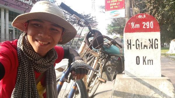 Đắk Lắk: 9X đạp xe xuyên Việt: Đi để thấy cuộc đời đáng sống!