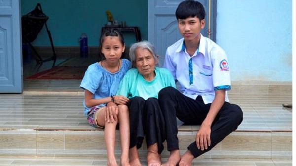 Đắk Lắk: Cô bé mồ côi ước mơ làm bác sĩ
