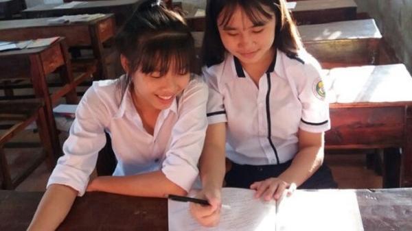 Cô học trò dân tộc Mường đam mê môn Ngữ Văn