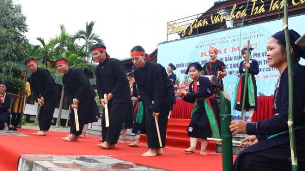 Thái Nguyên: Khai mạc triển lãm về múa Tắc Xình của dân tộc Sán Chay