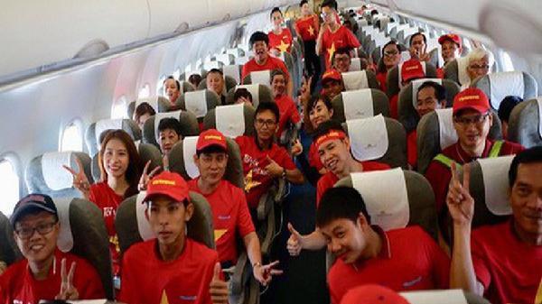 Tăng nhiều chuyến bay đưa CĐV sang Malaysia 'tiếp lửa' tuyển Việt Nam