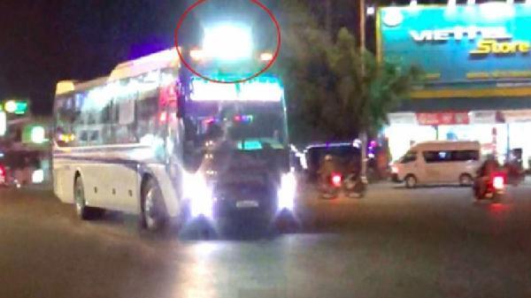 Xe khách, xe tải độ đèn chạy 'chói lòa' trên đường Hồ Chí Minh